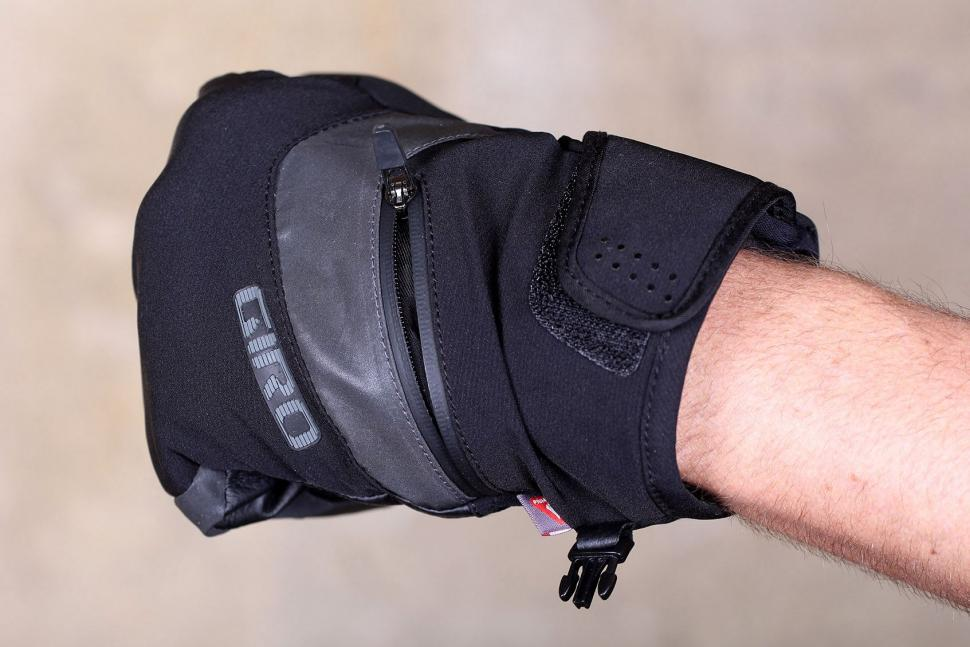 Giro 100 Proof Winter Cycling Gloves - detail.jpg