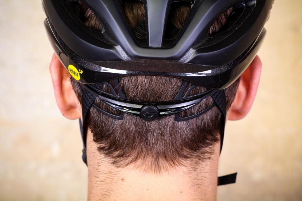 Giro Aether helmet - tension system.jpg