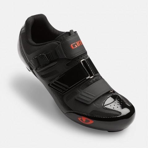 Giro Apeckx II.jpg