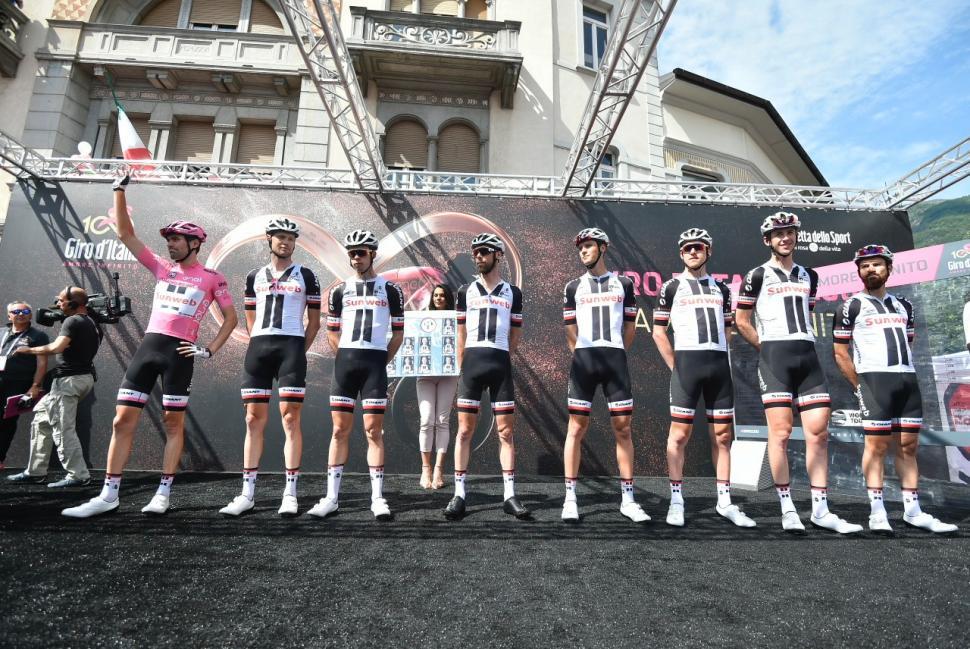 Giro d'Italia 2017 - 100a edizione -  Tappa 17 - da Tirano a Canazei (Val di Fassa) -  219 km ( 136 miglia ).jpg