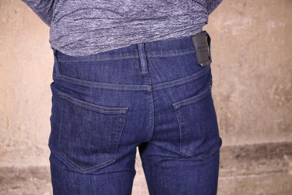 Giro Mens Transfer Denim - back pockets.jpg