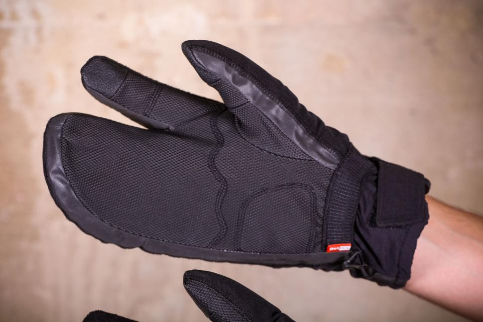 Giro Proof 100 gloves - palm.jpg