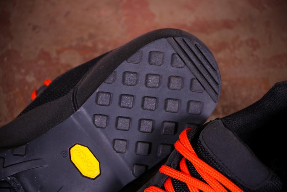 Giro Rumble VR MTB Cycling Shoes - sole heel.jpg
