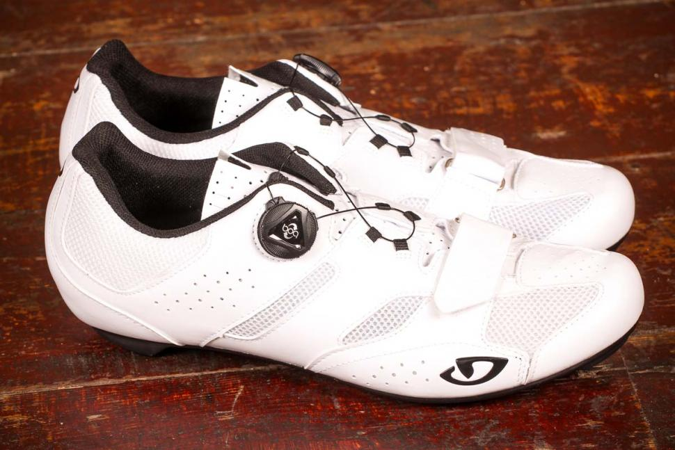 548d9eeb48d Review  Giro Savix Road Shoes