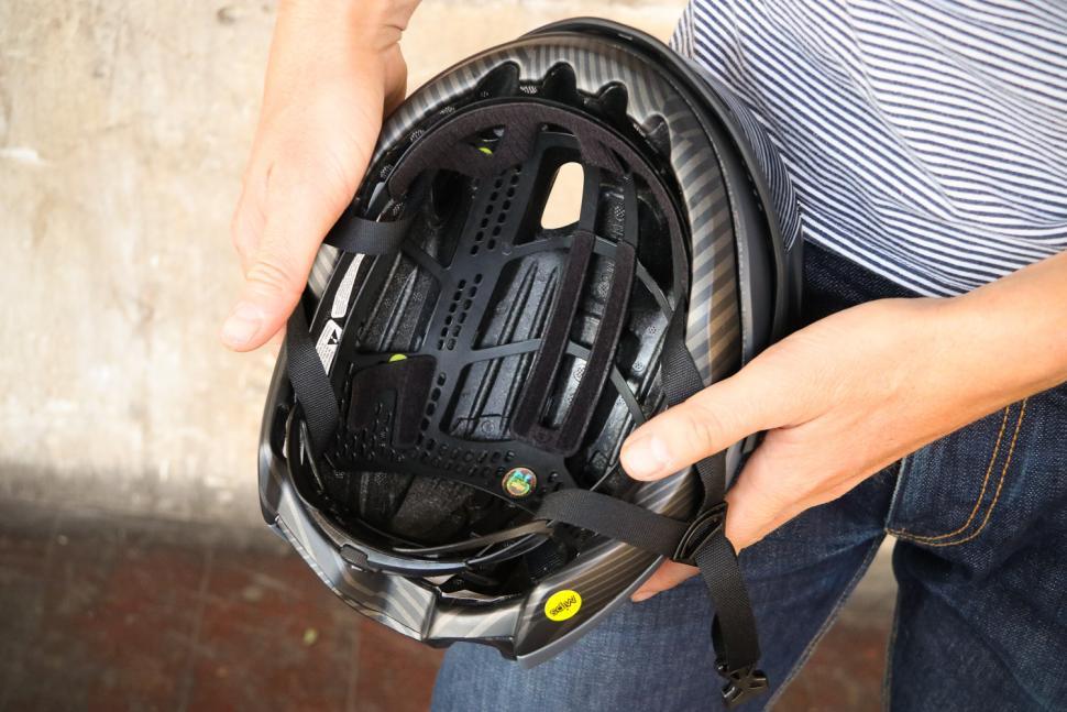 Giro Vanquish helmet - inside.jpg