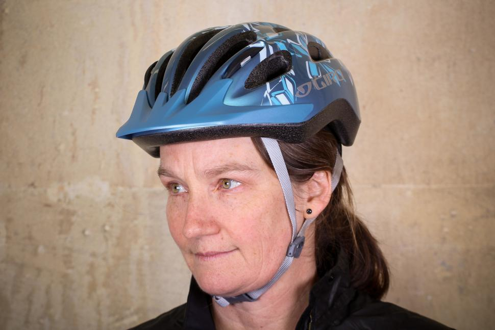 Giro Venus 2 Womens helmet - front 2.jpg