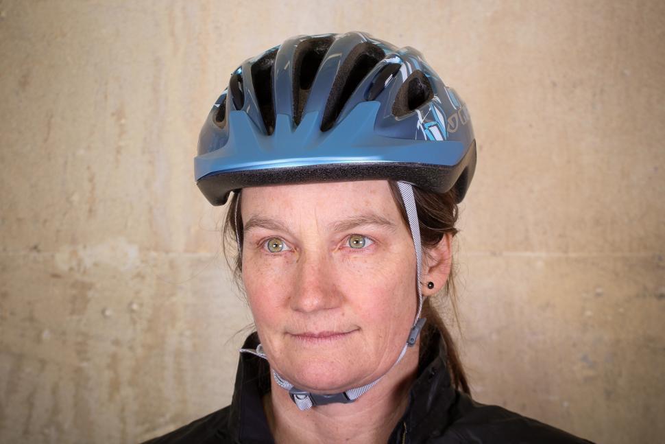 Giro Venus 2 Womens helmet - front.jpg
