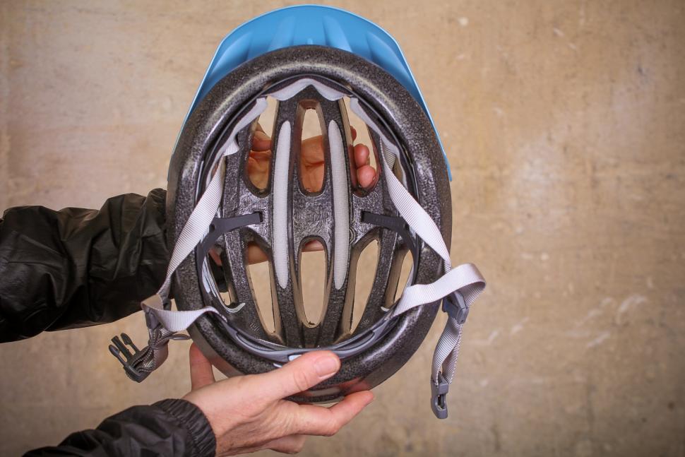 Giro Venus 2 Womens helmet - inside.jpg