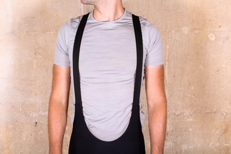 giro_chrono_pro_bib_shorts_-_straps_front.jpg