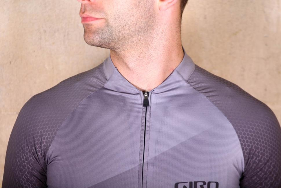 giro_chrono_pro_jersey_short_sleeve_-_chest.jpg