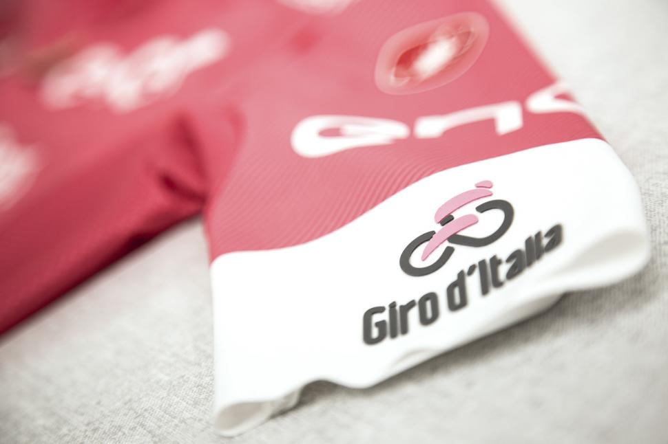 giro_pink_products.jpg