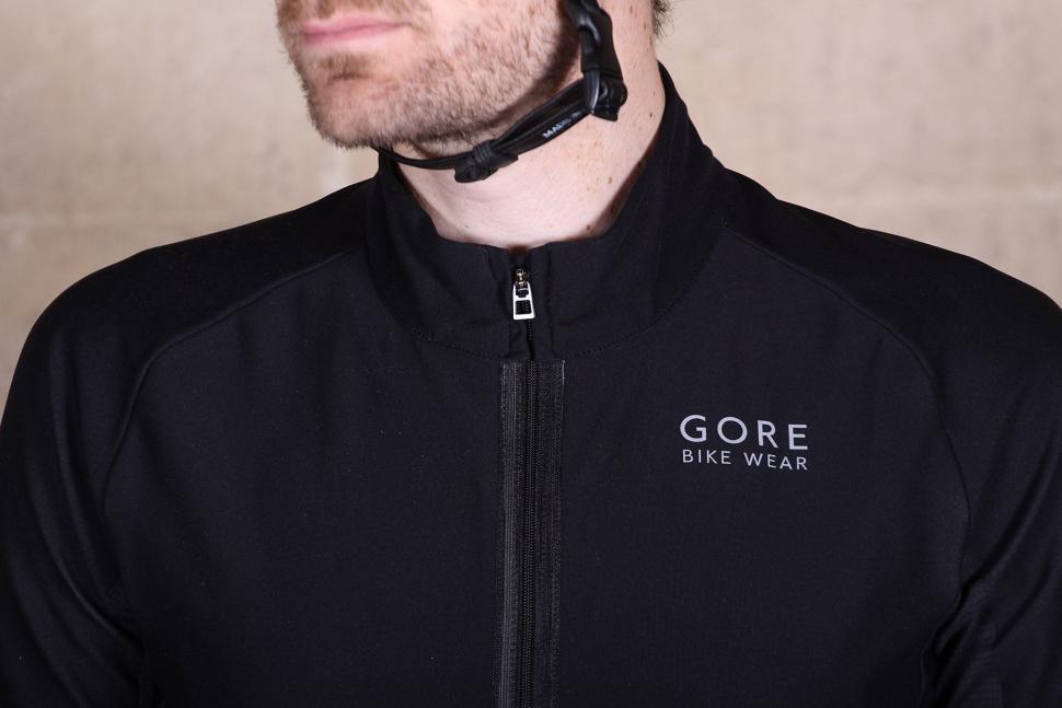 Gore Apparel Oxygen Classic Windstopper jersey - collar.jpg