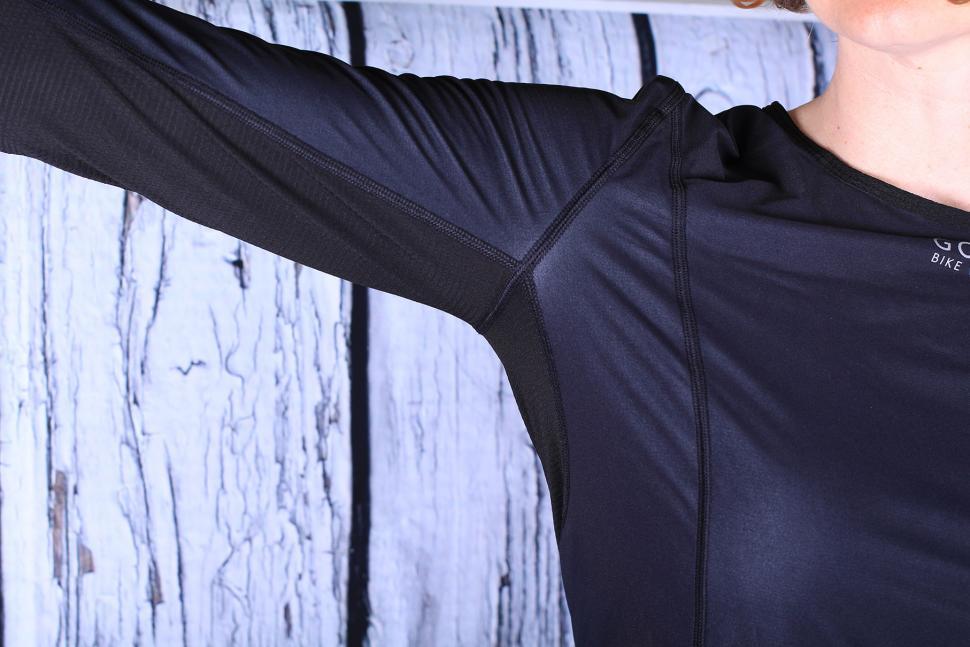 Gore Base Layer Windstopper Lady Shirt Long - under arm panel.jpg