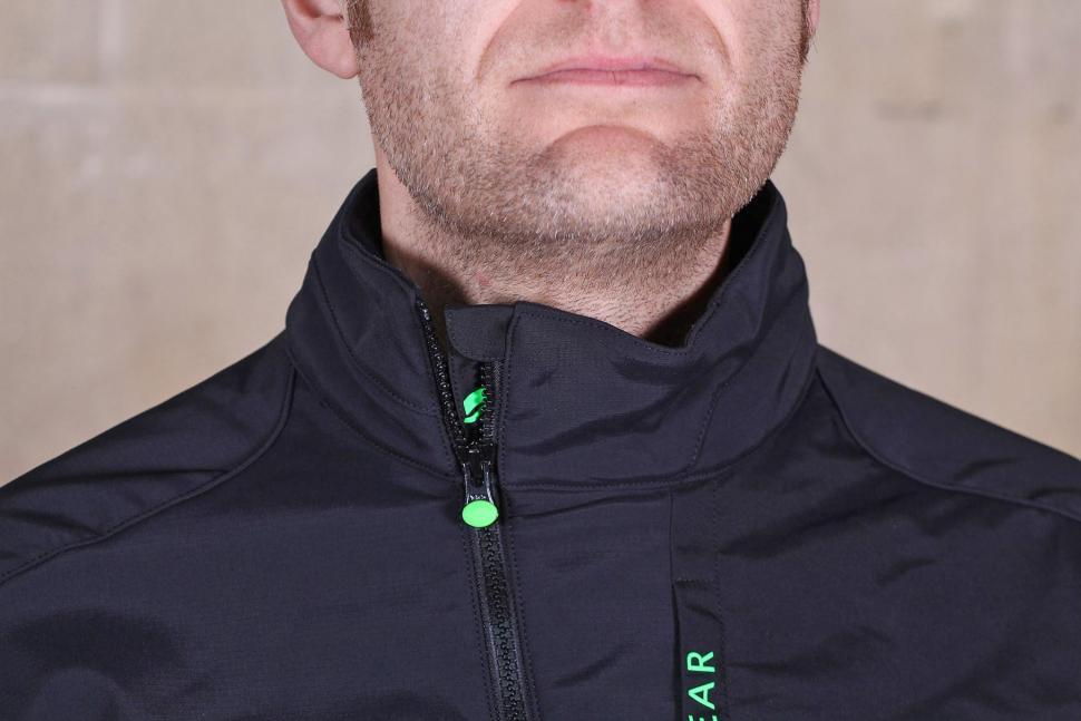 b1bfe2563 Gore Bike Wear Mens Power Trail Windstopper Soft Shell Jacket - collar.jpg
