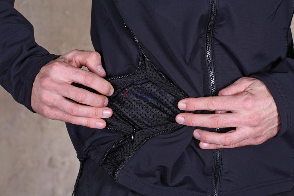 Gore Bike Wear Mens Power Trail Windstopper Soft Shell Jacket - pocket lining.jpg