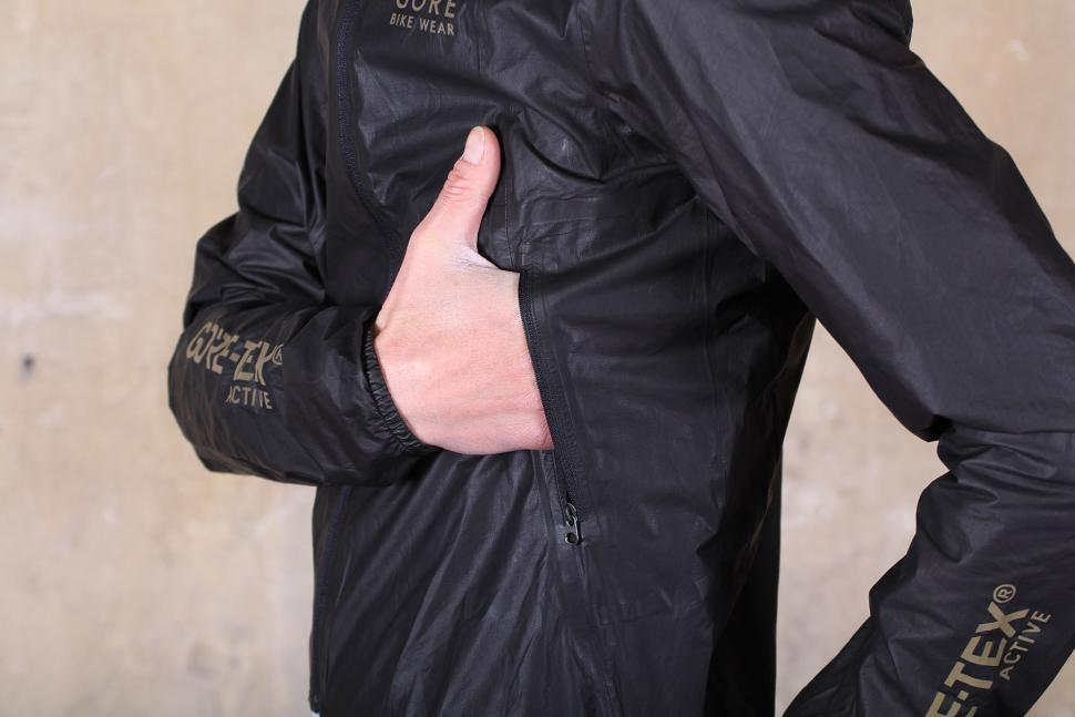 Gore Bike Wear ONE GORE-TEX Active Bike Jacket - pocket.jpg