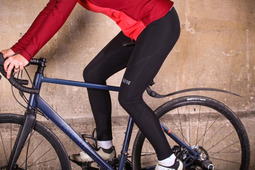 Gore C3 Women Thermo Bib Tights - riding.jpg