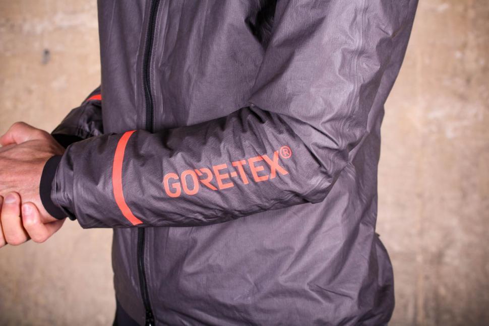 Gore C5 Gore-Tex Shakedry 1985 Insulated Jacket - arm.jpg