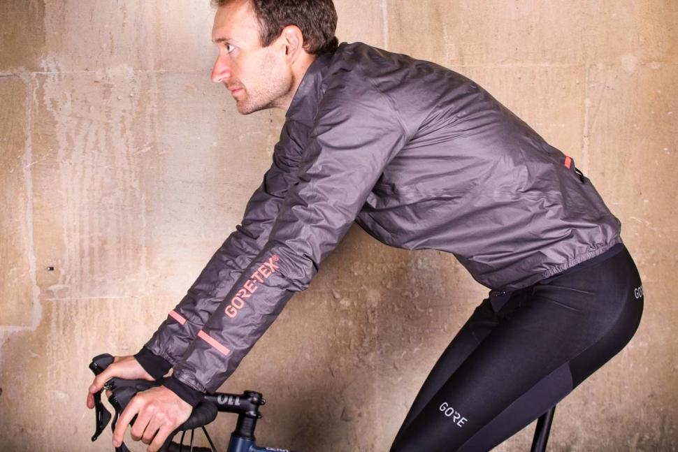 559c2dc8f Review: Gore C5 Gore-Tex Shakedry 1985 Insulated Jacket | road.cc