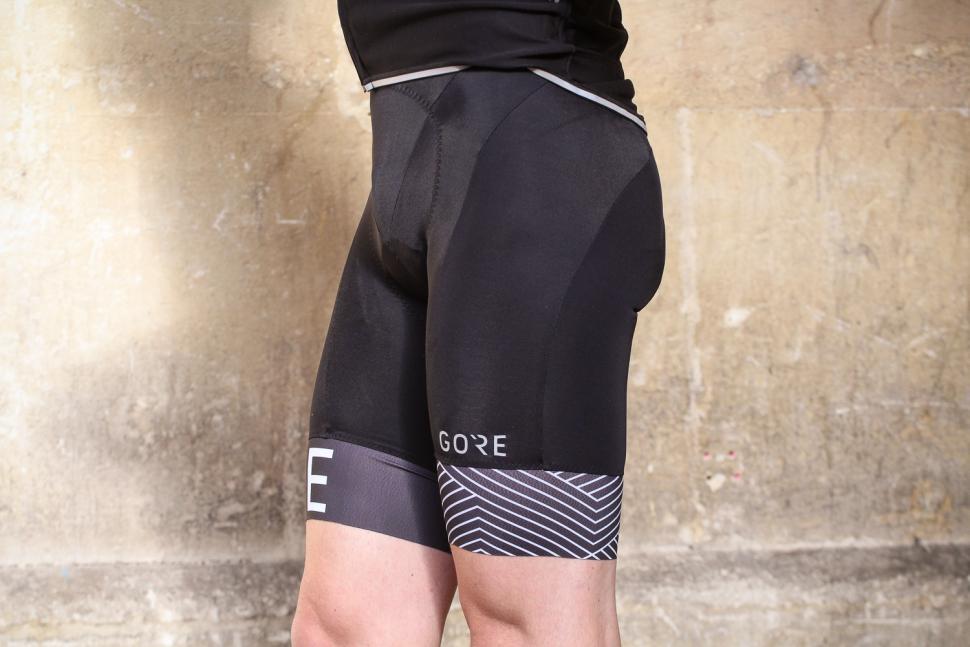 Gore C5 Optiline Bib Shorts - side.jpg