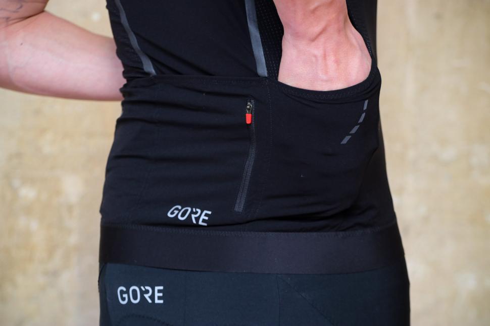 Gore C7 Race Jersey - pocket.jpg