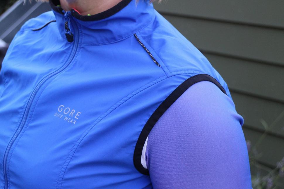 Gore Element Lady Windstopper Active Shell Vest - shoulder.jpg