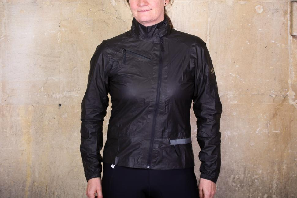 Review Gore C5 Women Gore Tex Shakedry Jacket Road Cc
