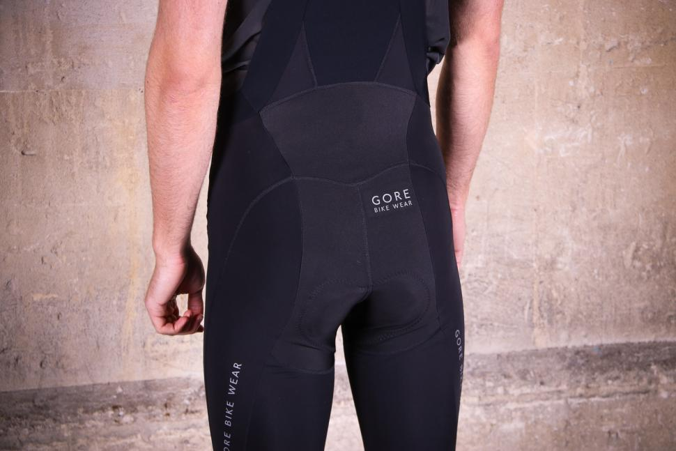 Gore Power Thermo bibtights - back detail.jpg