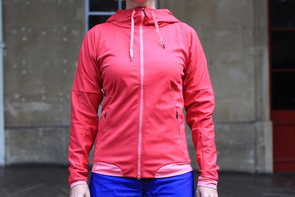 Review  Gore Power Trail Lady Windstopper Soft Shell Hoody  a5dfe191e