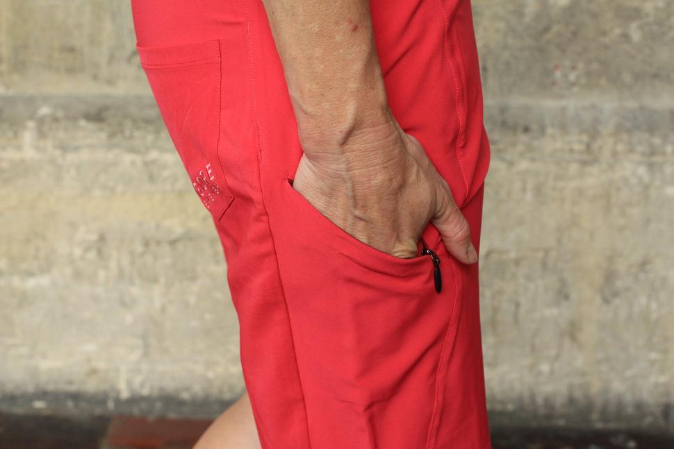 Gore Power Trail Lady Shorts - side pocket.jpg