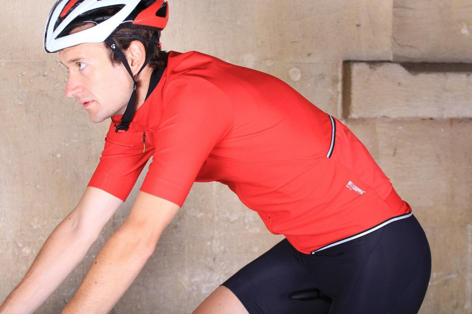 Gore Power Windstoper Softshell Jersey - riding.jpg