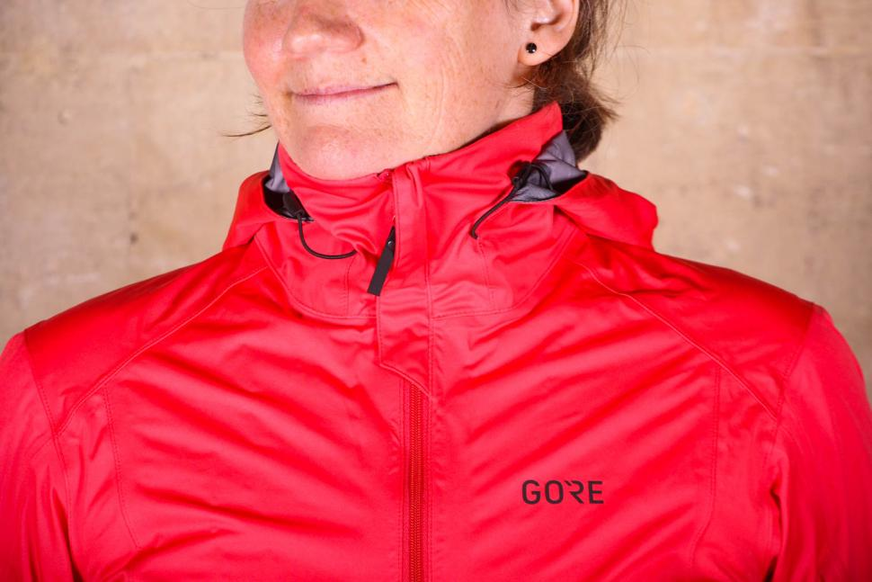 Gore R3 Women Gore-Tex Active Hooded Jacket - collar.jpg