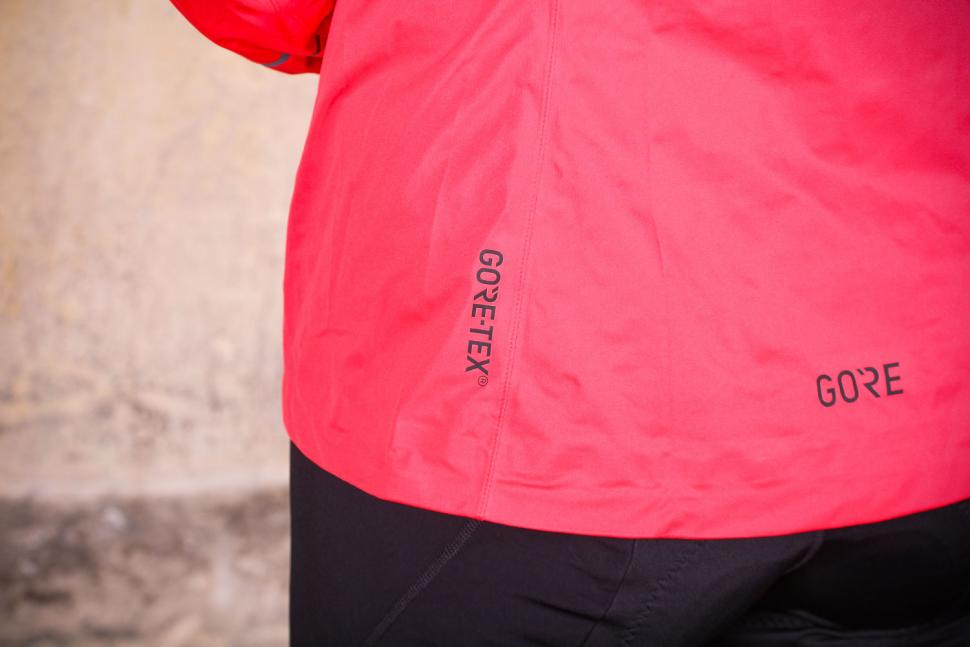 Gore R3 Women Gore-Tex Active Hooded Jacket - Gore-Tex logo.jpg