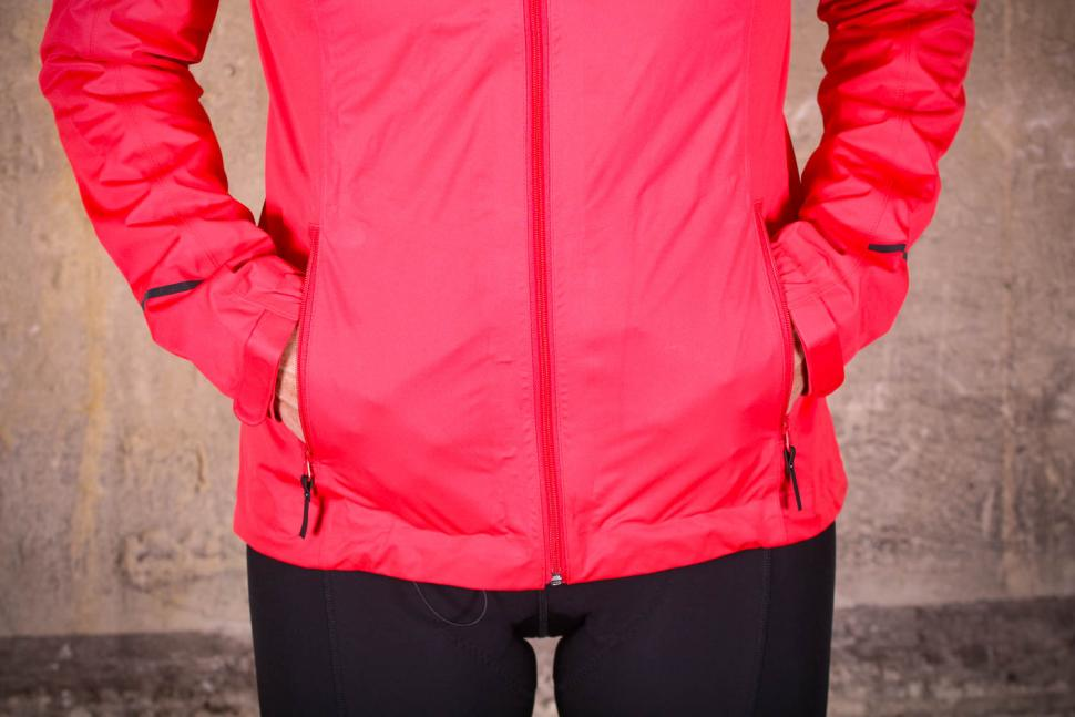 Gore R3 Women Gore-Tex Active Hooded Jacket - pockets.jpg