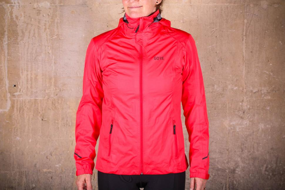 new arrival ed5b2 fde88 Review  Gore R3 Women Gore-Tex Active Hooded Jacket   road.cc