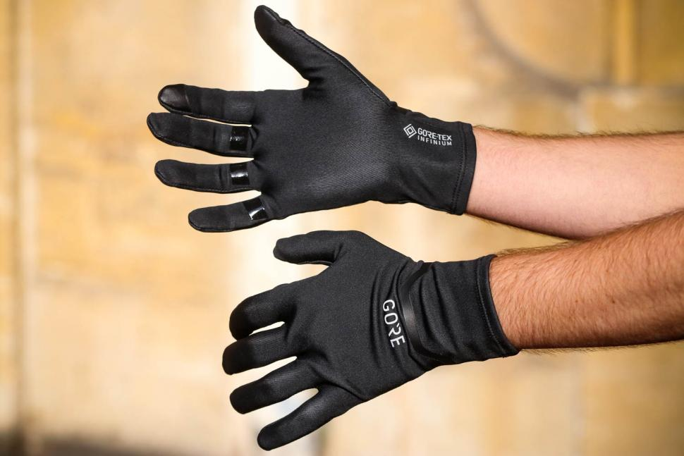Review: Gore M Gore-Tex Infinium Stretch Gloves | road cc