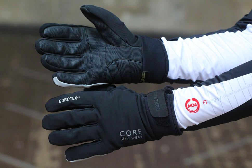 Review Gore Universal Gore Tex Thermo Gloves Road Cc