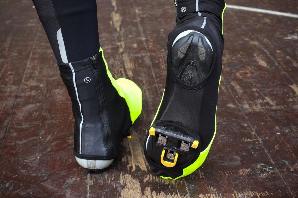 Gore Universal Gore Windstopper Overshoes - sole.jpg