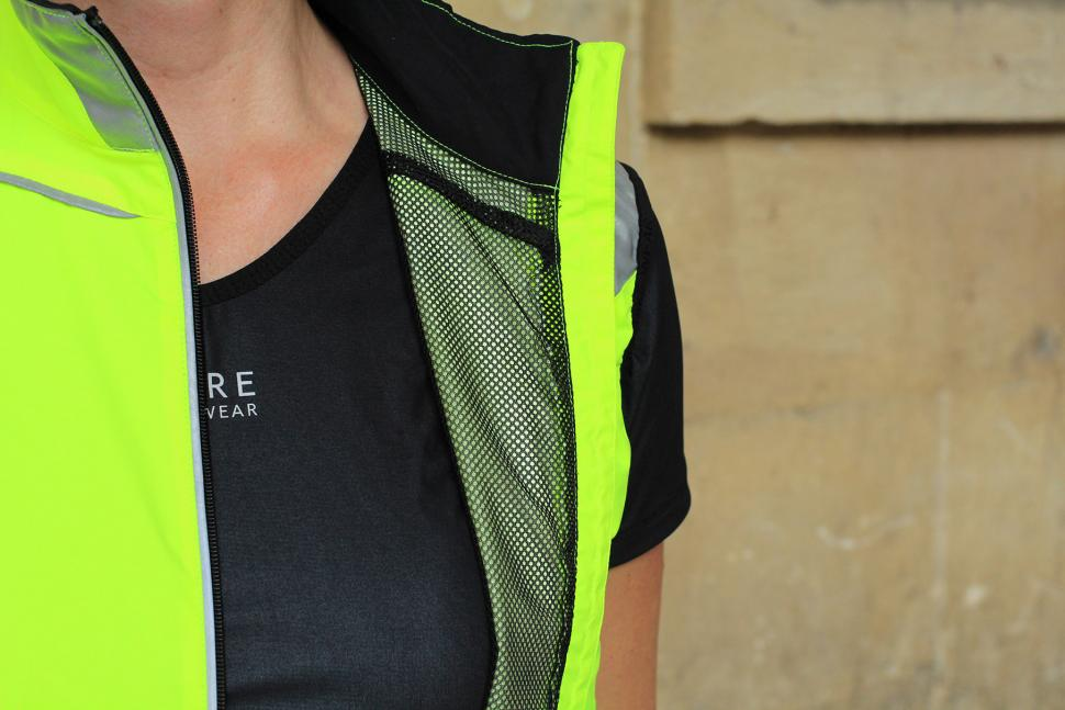 Gore Visibility Lady WIndstopper Active Shell Vest - inside.jpg