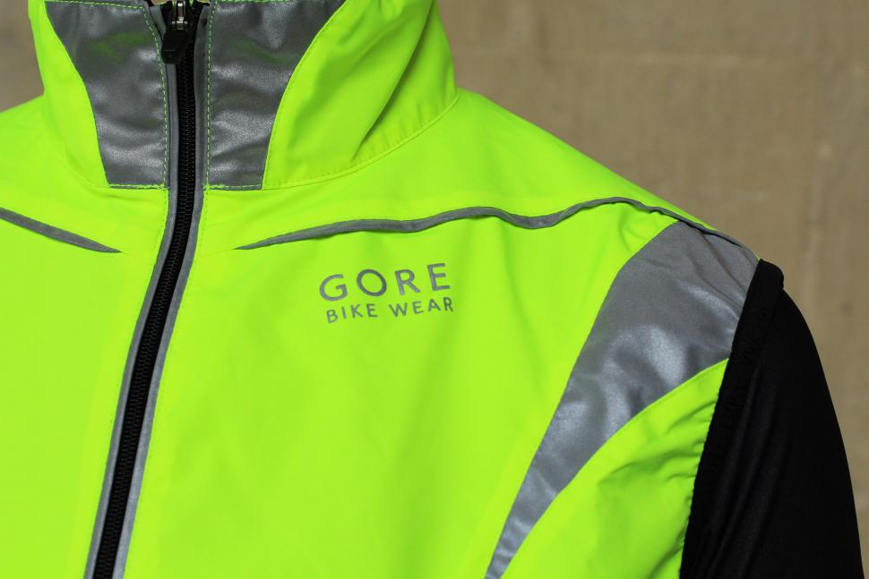 Gore Visibility Lady WIndstopper Active Shell Vest - shoulders front.jpg