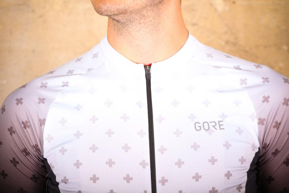 gore_c5_jersey_limited_edition_-_chest.jpg
