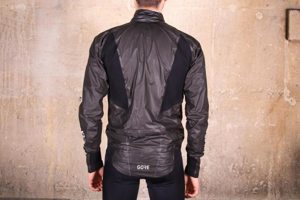 gore_c7_gore-tex_shakedry_stretch_jacket_-_back.jpg