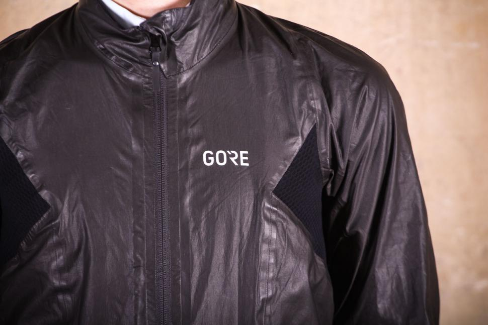 The Gore C7 Gore-Tex ShakeDry Stretch Jacket provides total rain protection  with incredible breathability. The stretch panels help to give a perfect  fit ... 7e8b92f5d