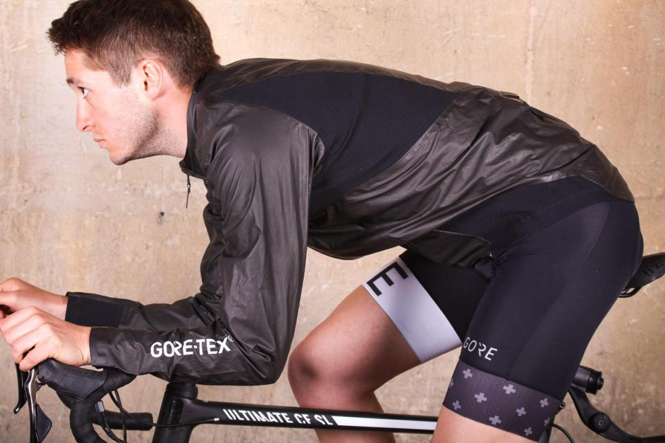 gore_c7_gore-tex_shakedry_stretch_jacket_-_riding_2.jpg