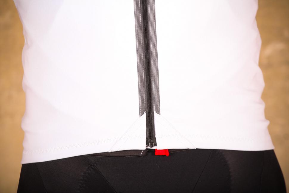 gore_c7_windstopper_jersey_-_hem.jpg