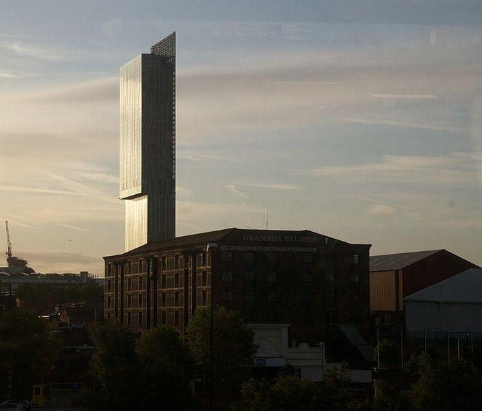 Granada Studios and Beetham Tower (David Brossard Wikimedia Commons).jpg