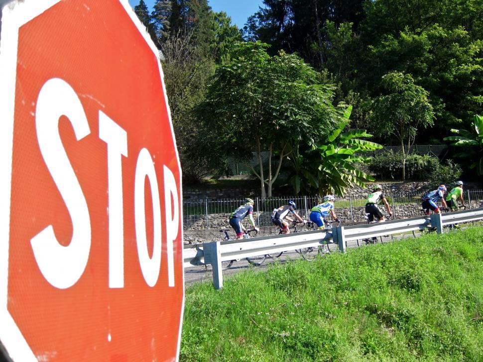 Granfondo Tre Valli Varesine - Stop.jpg