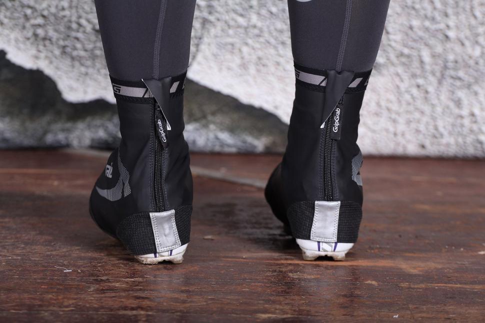 GripGrab RaceAqua Black Overshoes - heels.jpg