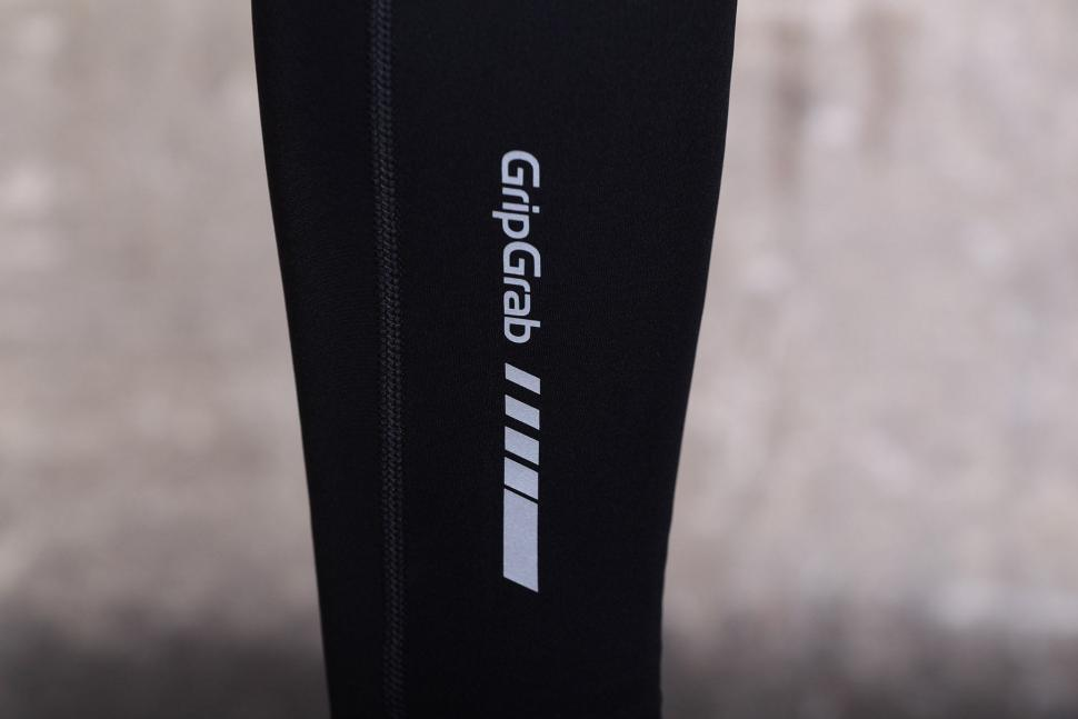 GripGrab AquaRepel Leg Warmers - logo.jpg