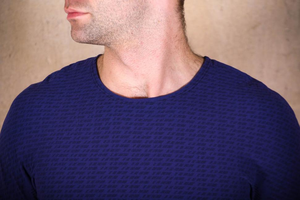 GripGrab Freedom Seamless Thermal Base Layer LS - collar.jpg